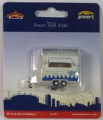 Bachmann 44571 Walker's Whelks fresh fish stall - reduced